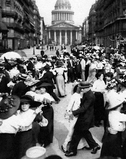tango-argentino-plaza-congreso