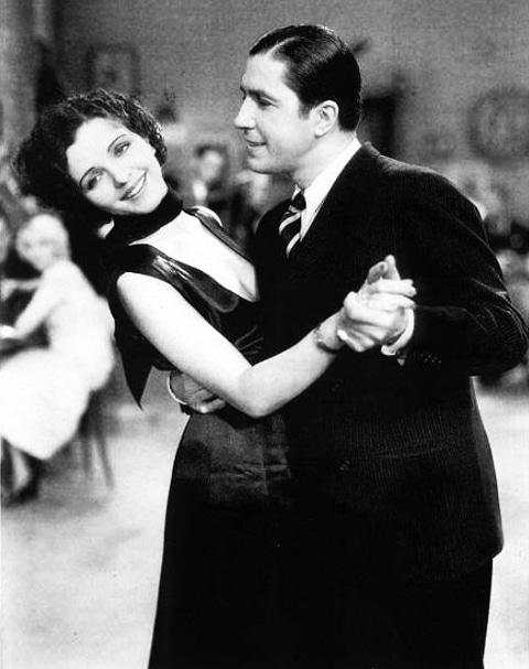 tango-argentino-carlos-gardel tanzt