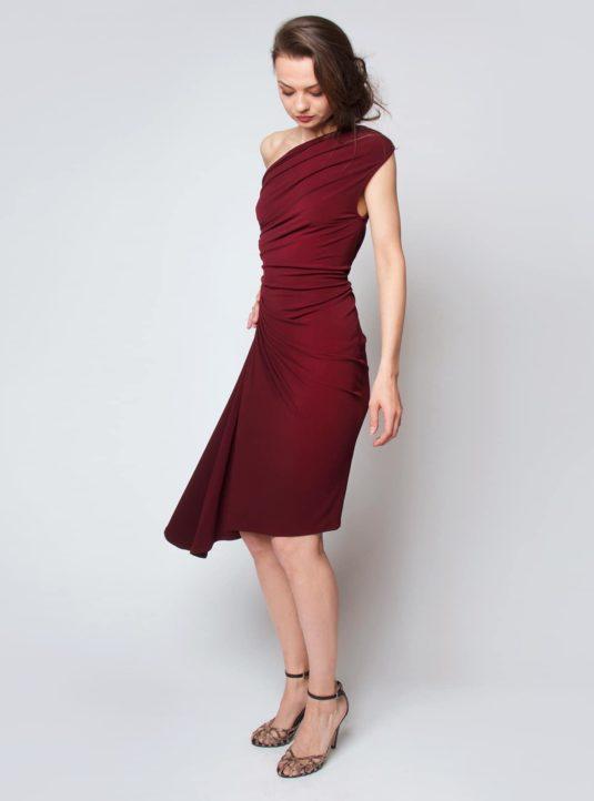 Carolina asymmetrisches Kleid bordeaux (2)