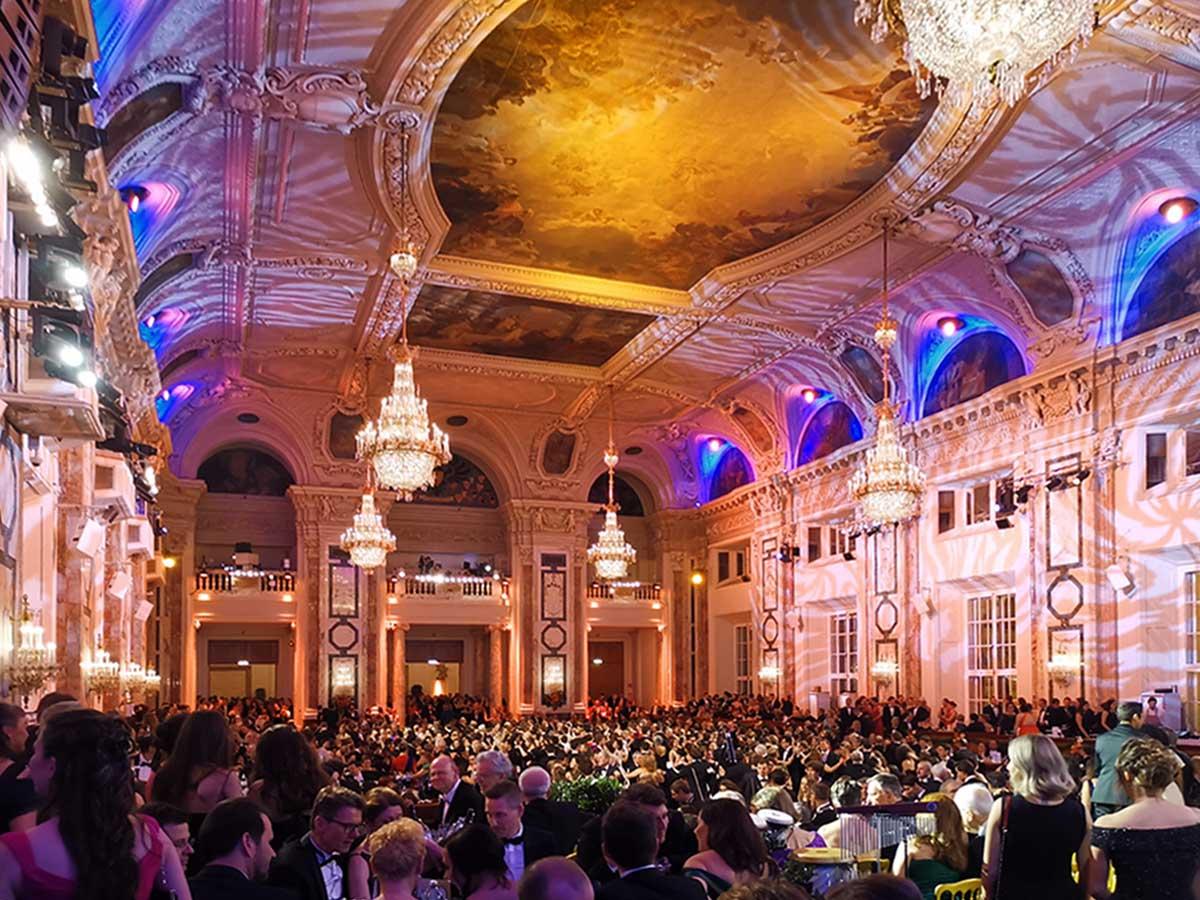 Festlicher Ball In Der Wiener Hofburg
