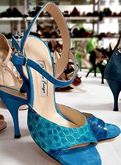 Blauer Damenschuh